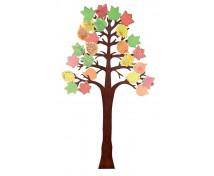 [Copac mare cu patru anotimpuri]